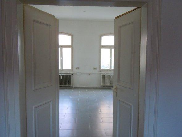 helle Räume Holtzüren doppelflügelig hohe Decke nobler Lichteinfluss