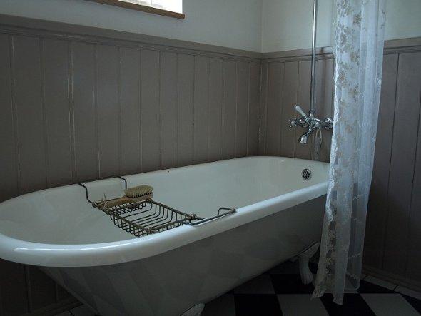 wir haben eine alte Badewanne aufarbeiten lassen