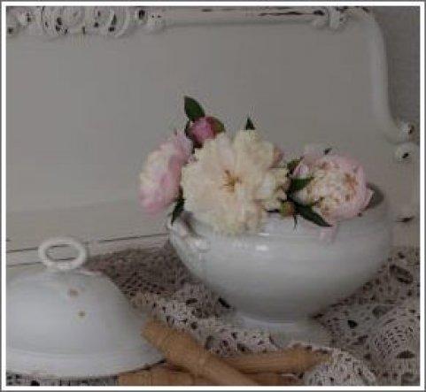 Deko 39 meine blumendeko 39 unser zuhause zimmerschau for Zimmer deko rosen