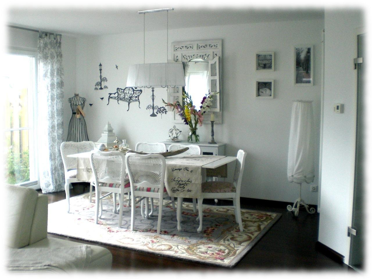 Wohnzimmer 39 les salons parisiens 39 villa charme zimmerschau for Les salons parisiens