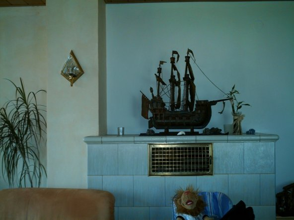 Das Haus ist 40 Jahre alt da war es gang und gebe einen Kachelofen zu haben....es ist einen sehr angenehme Wärme