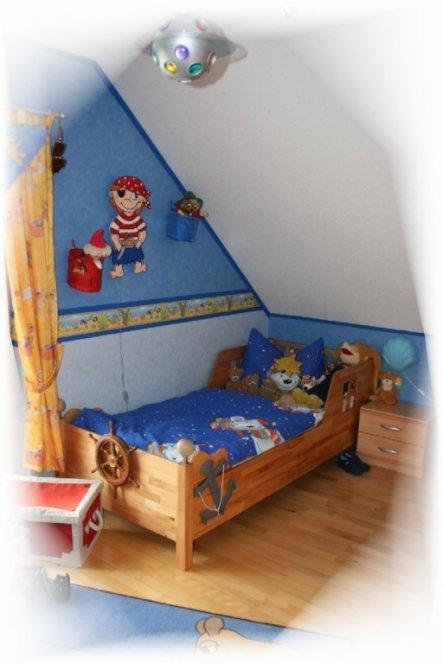 Ich befeuchte das erwachsene Bett