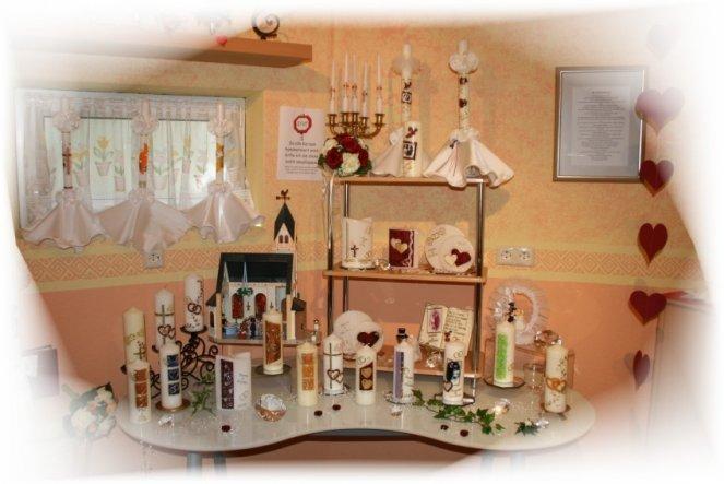 Der Hochzeitstisch mit meiner Playmobilkirche als Deko