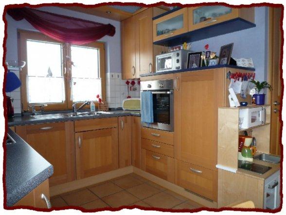 Bei dem Foto sieht man auch ein Teil der Kinderküche (Ich sitze hier auf der Eckbank vor dem Fenster)