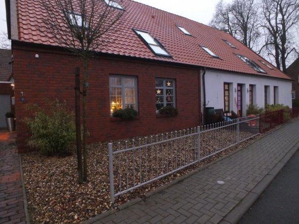 Hausfassade / Außenansichten 'Vor dem Eingang'