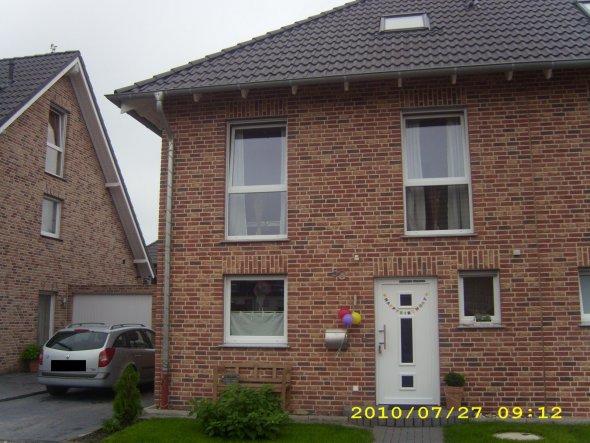Hausfassade / Außenansichten 'Straßenansicht'