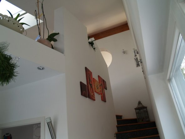 flur diele 39 flur treppenaufgang 39 el paradiso zimmerschau. Black Bedroom Furniture Sets. Home Design Ideas