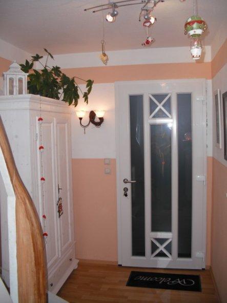 flur diele 39 flur alt 39 meine kellertreppe zimmerschau. Black Bedroom Furniture Sets. Home Design Ideas