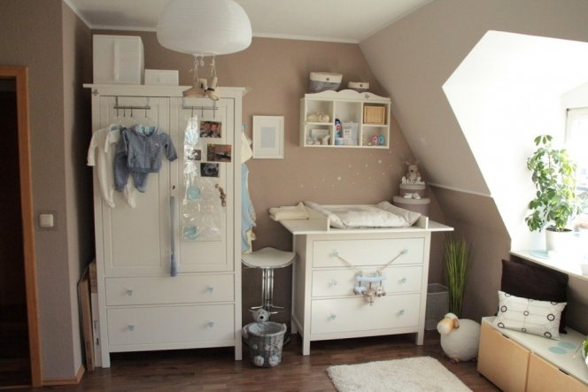 kinderzimmer 39 baby zimmer 39 villa sonnenschein zimmerschau. Black Bedroom Furniture Sets. Home Design Ideas