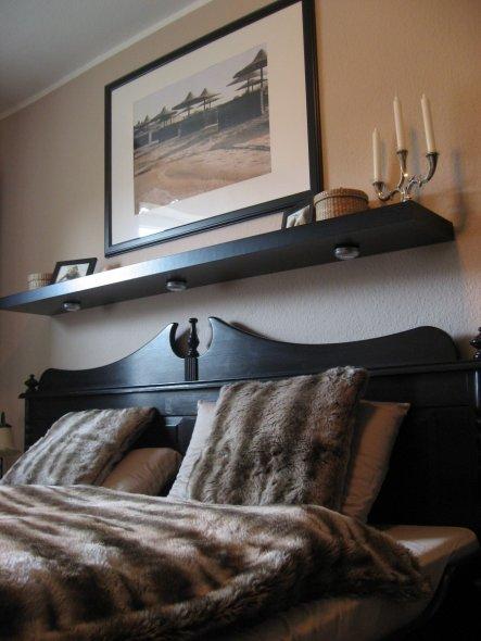 Schlafzimmer 39 kuschelzimmer 39 bowling s home zimmerschau - Ablage schlafzimmer ...