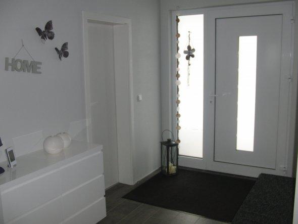flur diele 39 eingangsbereich 39 unser neues haus zimmerschau. Black Bedroom Furniture Sets. Home Design Ideas