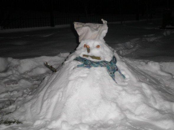 Das ist Erna, die Mütze ist nach der neuesten Mode ein gefrorener Lappen