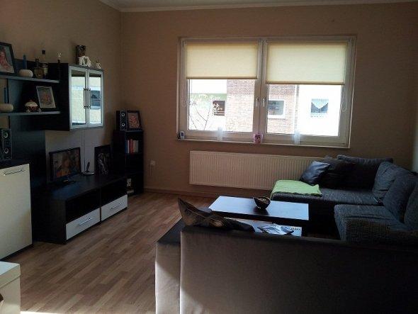 wohnzimmer 39 wohnen essen leben 39 zuhause im gl ck zimmerschau. Black Bedroom Furniture Sets. Home Design Ideas