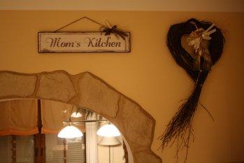 Moms Kitchen