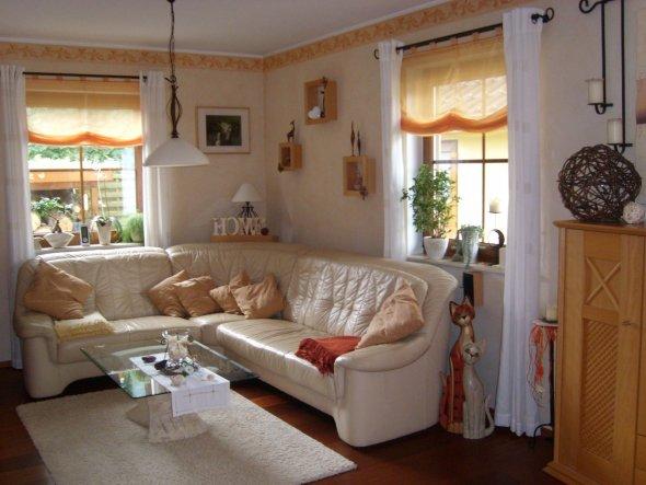 Ich wünsche mir ein neues Sofa, es ist viel zu klein für uns, aber das muss warten. Andere Projekte haben Vorrang! Auf alle Fälle wieder Leder und wie