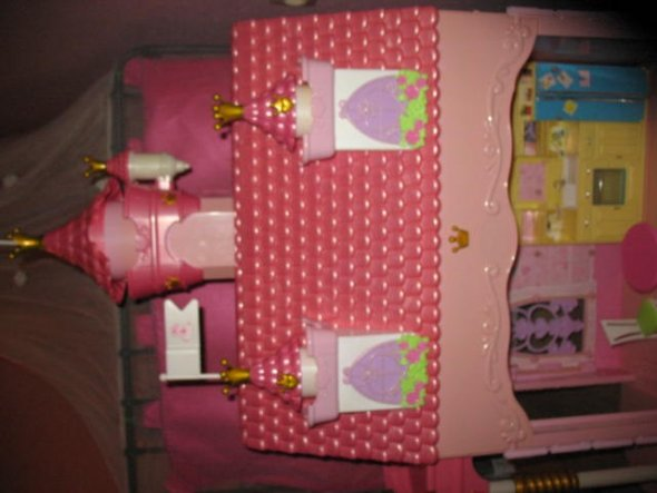 Baby Bornhaus, dass schon lange als Barbiehaus dient
