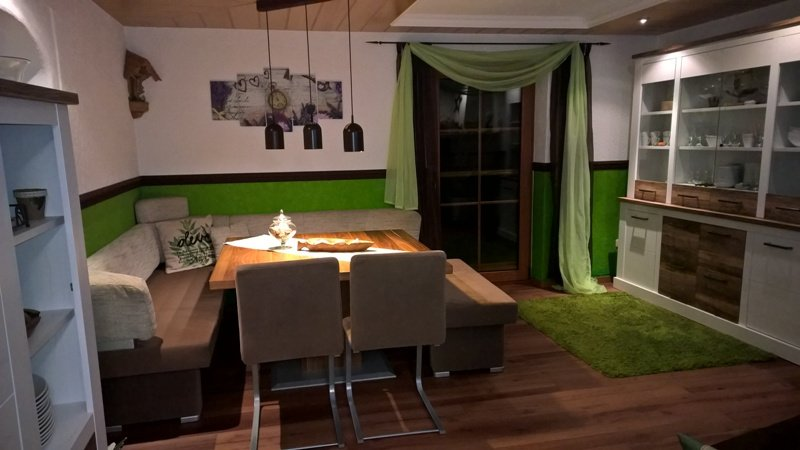 esszimmer 39 esszimmer der neue wohlf hlraum 39 unser zuhause zimmerschau. Black Bedroom Furniture Sets. Home Design Ideas