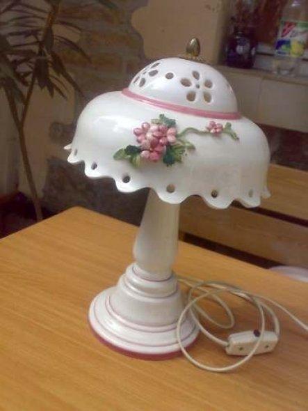Diese schöne Lampe ist in lauter Scherben angekommen...heul kostete EUR 22,06