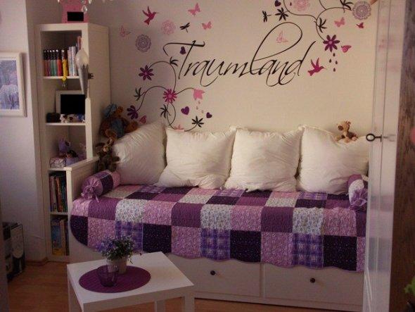 Das rosa-weisse Prinzessinnenzimmer war mittlerweile out. Jetzt musste ein gemütliches, verträumtes Jugendzimmer her.