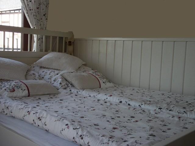 schlafzimmer 39 romantisches schlafzimmer tr umerland o 39 traumland zimmerschau. Black Bedroom Furniture Sets. Home Design Ideas