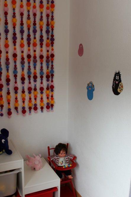 Der Kinderhochstuhl und die Puppe aus meiner Kindheit haben auch noch Platz gefunden....