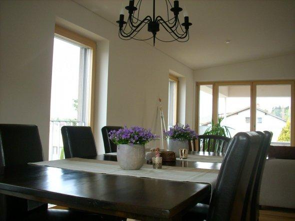 esszimmer 39 essen wohnen 39 gem tlich wohnen zimmerschau. Black Bedroom Furniture Sets. Home Design Ideas
