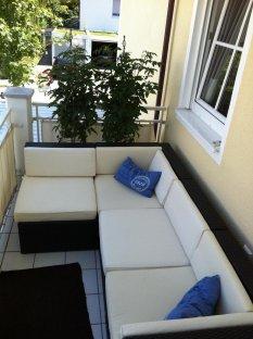 terrasse balkon 39 balkon nr 1 lounge 2011 39 joan s. Black Bedroom Furniture Sets. Home Design Ideas