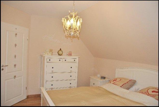 schlafzimmer 39 romantik pur 39 friesische freiheit zimmerschau. Black Bedroom Furniture Sets. Home Design Ideas