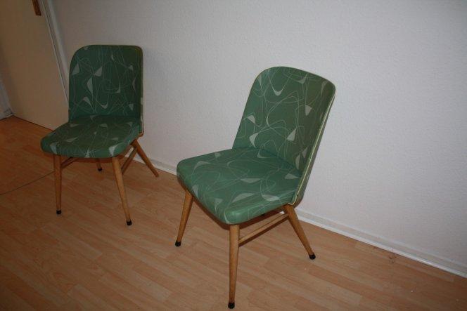 Damit fing alles an. Ich b ot bei ebay auf  die Stühle und dachte ich krieg die eh nicht... Plötzlich waren sie da und ich musste meinem Liebsten erkl