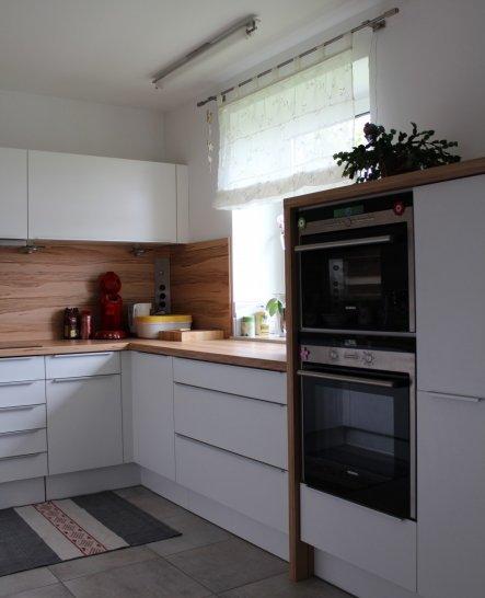weder aufgehübscht, noch besonders fürs Foto zurechtgemacht.Eine Küche die ist, wie sie ist.