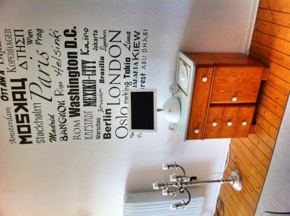wohnzimmer 39 wohnraum 39 schlo strasse zimmerschau. Black Bedroom Furniture Sets. Home Design Ideas