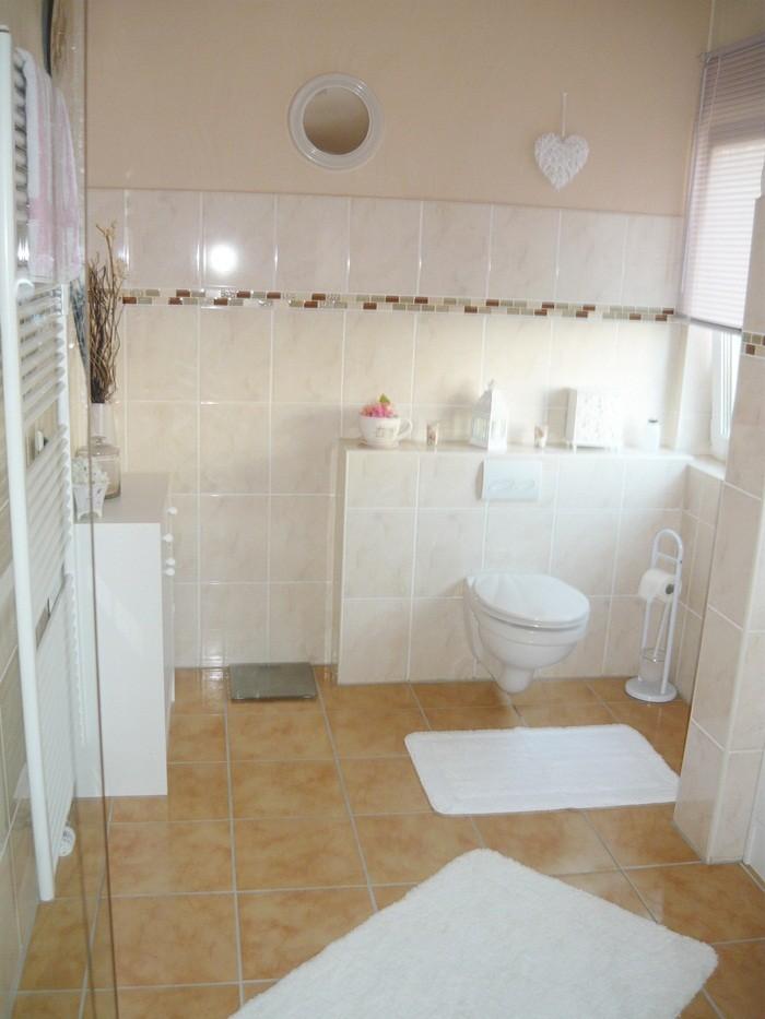 bad 39 badezimmer 2011 alte wohnung 39 unser zuhause zimmerschau. Black Bedroom Furniture Sets. Home Design Ideas