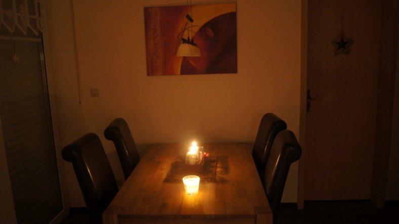 Küche mit Tisch