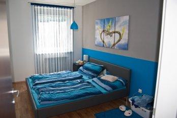 Schlafzimmer und Kleiderschrank