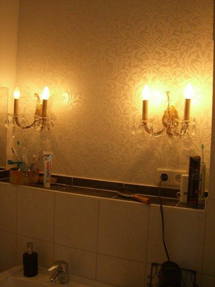 ...über dem Waschbecken hängt schonmal