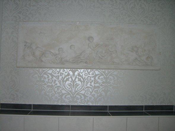 100 jahre alte freske... nun endlich in die wand integriert...