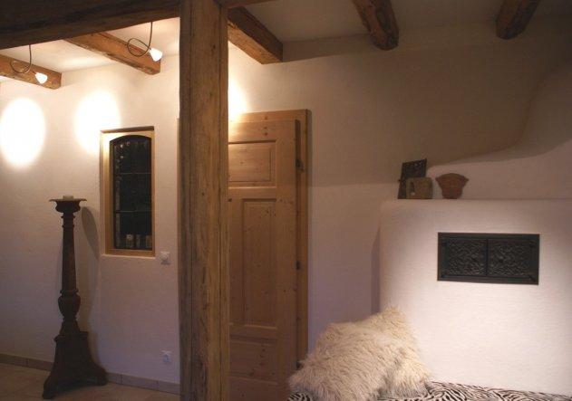 Tür und Ofen