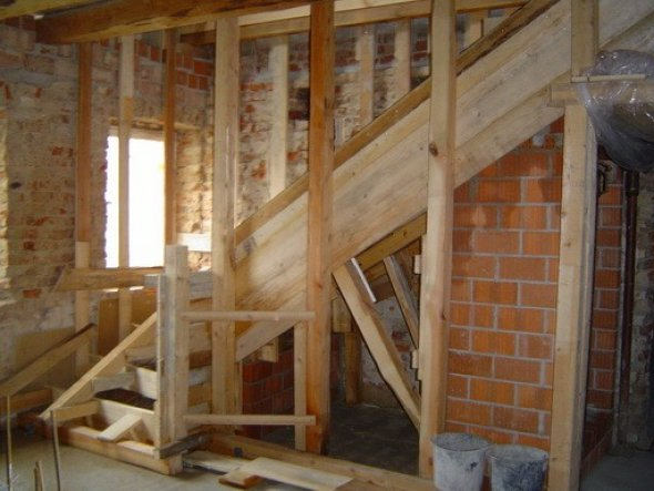 """Hier sieht man die Treppe während ihres Entstehens, für alle die auch gerne """"vorher"""" Bilder anschauen."""