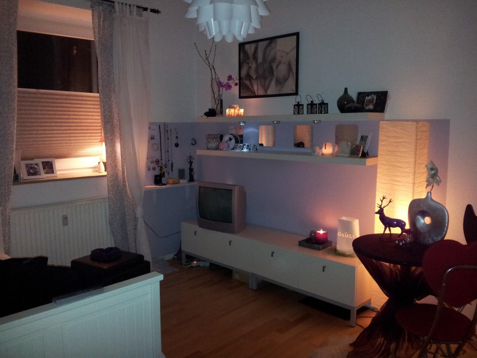 wohnzimmer 39 wohn schlafraum 39 mein zauberhaftes kleines. Black Bedroom Furniture Sets. Home Design Ideas