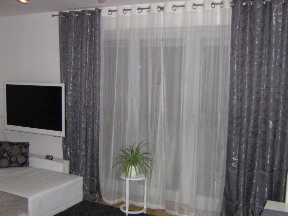 wohnzimmer grün weiß:Wohnzimmer 'WOHNZIMMER IN GRAU WEIß GRÜN' – Mein Domizil mit neuen