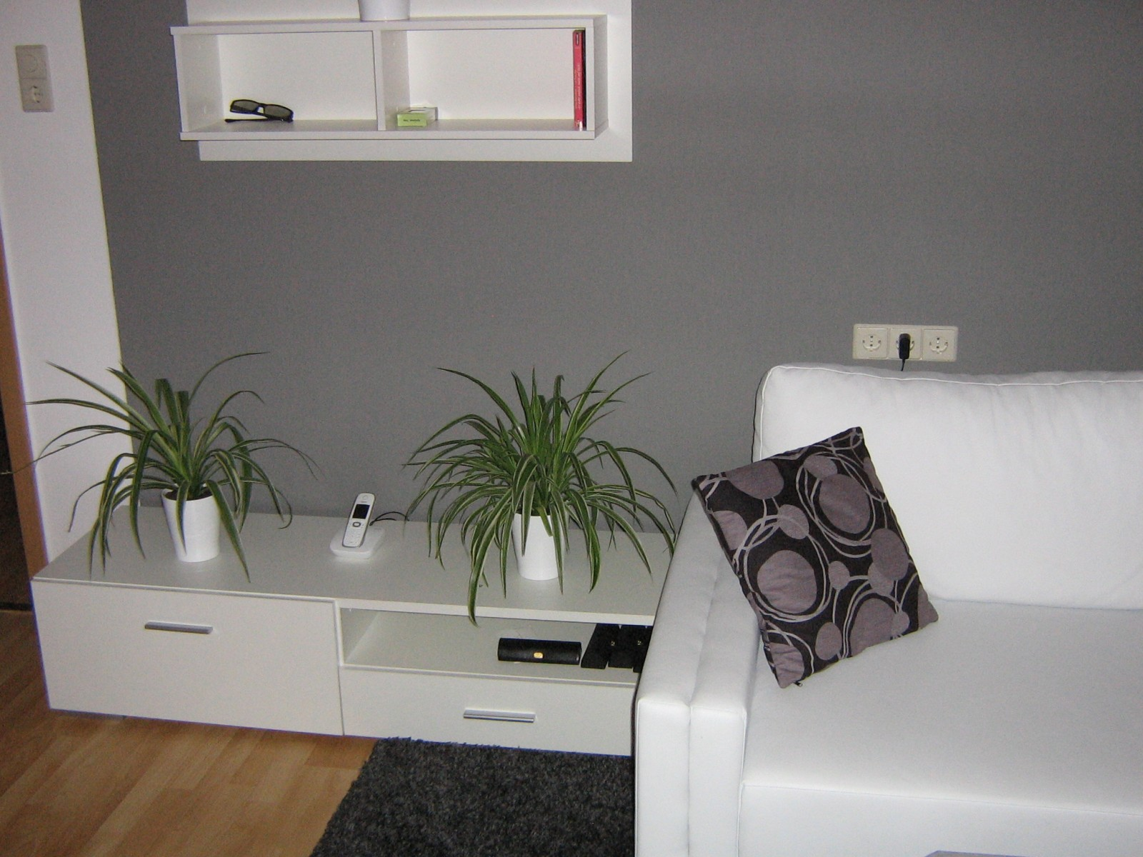 wohnzimmer rot weis grau ihr traumhaus ideen. Black Bedroom Furniture Sets. Home Design Ideas