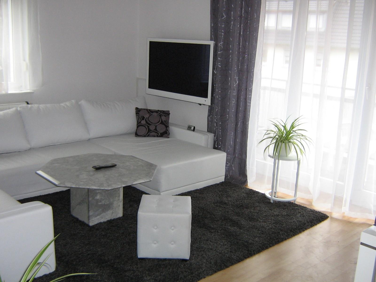 emejing gardinen wohnzimmer grun pictures house design ideas. Black Bedroom Furniture Sets. Home Design Ideas