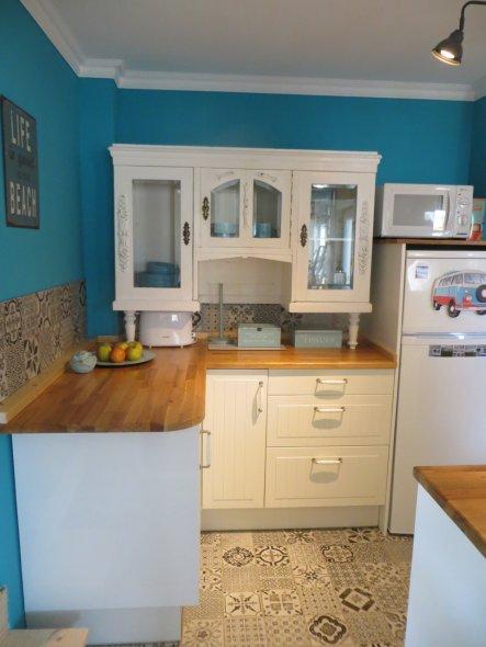 """Unsere kleine aber feine Küche mit leichtem Stilmix! Bisschen Shabby, bisschen modern...""""Deichhaus-Style"""" eben:-)"""