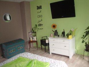 wandgestaltung schlafzimmer gr n braun schlafzimmer. Black Bedroom Furniture Sets. Home Design Ideas
