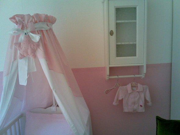 Knisterstern von der Spiegelburg und Vichy Himmel. Mein altes Ikea Badezimmer habe ich 'integriert' Wandschrank und Hochschrank gegenüber