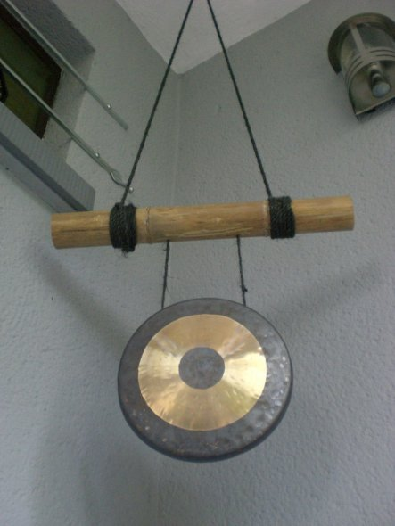 """Der Gong dient als """"Klingel"""" für Gäste."""