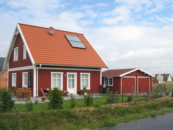 Hausfassade / Außenansichten 'Haus mit Garten'