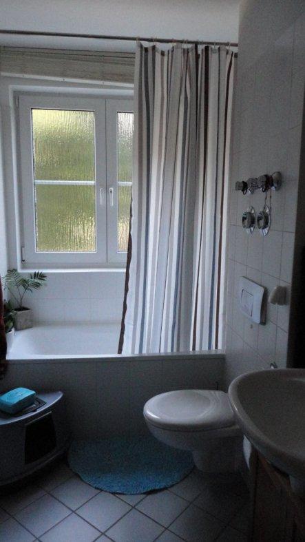 bad 39 das badezimmer 39 fr hlich s zimmerschau. Black Bedroom Furniture Sets. Home Design Ideas