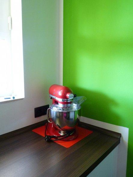 neuwertige wei e k che mit birken arbeitsplatte und. Black Bedroom Furniture Sets. Home Design Ideas