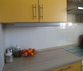 Sonnige Küche im Retrolook